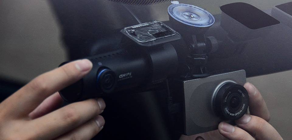 Touching the Blackvue DR650 and XiaoYi Dash Cam Mounted in Vehicle